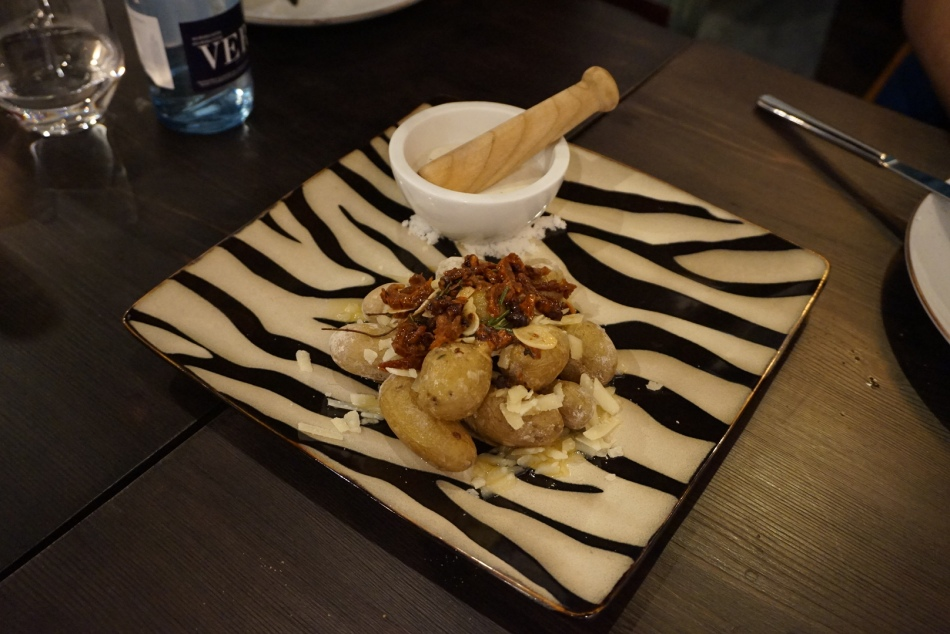 tips restaurant patatas bravas
