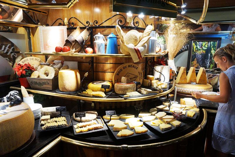 les grands buffets quesos franceses