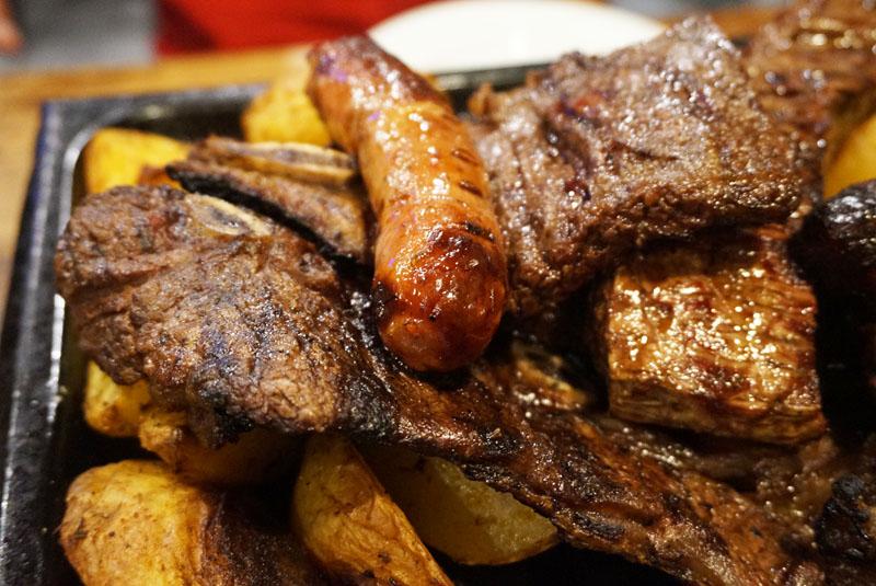 parillada de carne en la republica restaurante barcelona